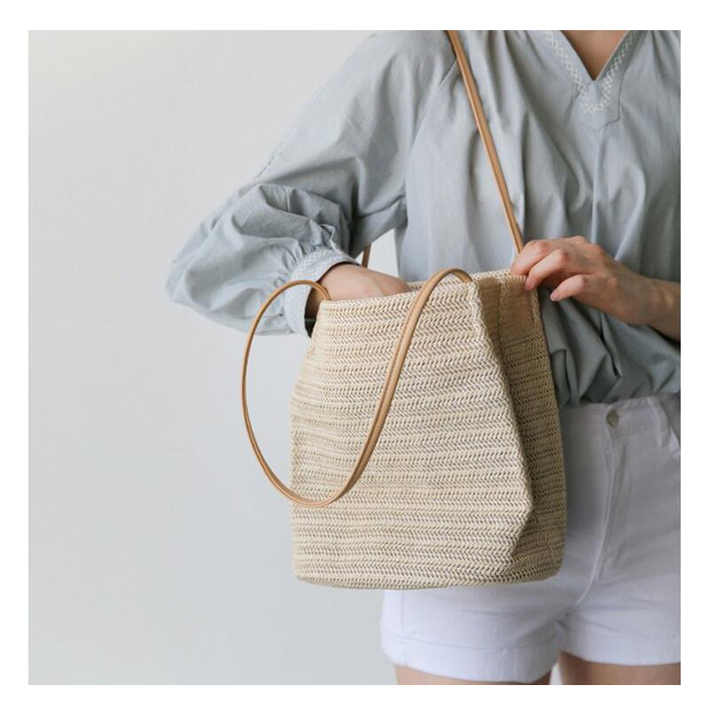 Instagrams new summer straw bale is a stylish one-shoulder bag for womens handbags