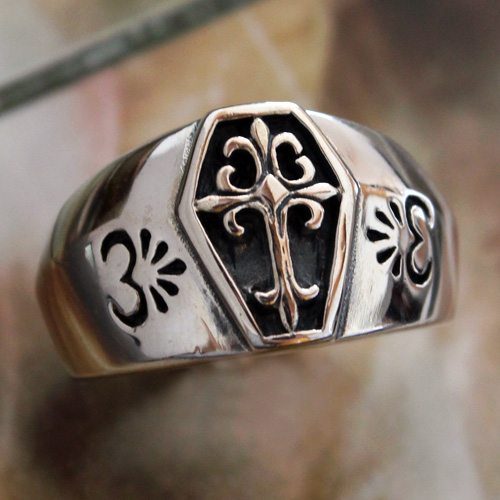 Purchase the paladin cross European mens sterling silver ring finger Retro Classic Silver