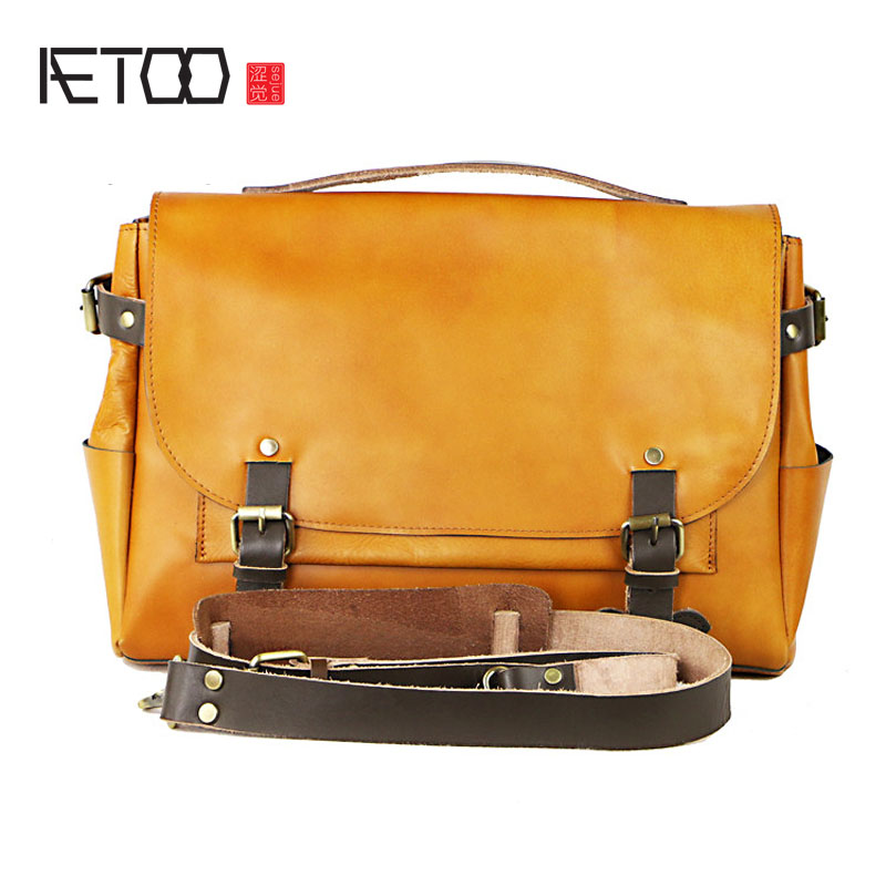 AETOO Europe and the United States big men briefcase classic postman package leather handbag package cross section of the trend postman pig and his busy neighbors