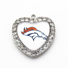 high quality 10pcs/lot NFL glass heart white crystal Sports Denver Broncos Dangle Charms Necklace floating charms New design