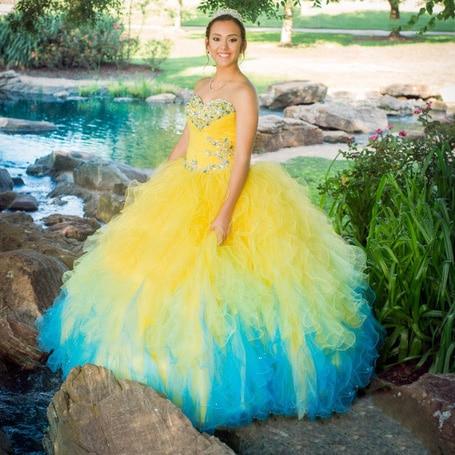 1de62ba3e Precioso Vestido De Fiesta Novia Rebordear Blusa de Múltiples Colores Vestido  para Niñas de 15 años Más El Tamaño Amarillo y Azul Vestido de Quinceañera  en ...