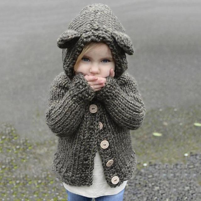 Poncho Completa Nueva Llegada 2016 Producto de la Venta de Otoño E Invierno de Los Niños Ropa de Color de Un Solo Pecho Con Capucha Suéter de Manga Larga