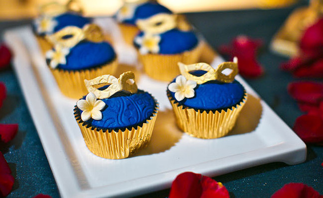 mini wedding cakes shipped free shipping gold royal cupcake liners decorations mini 17430