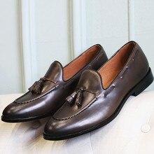 Vintage Style Men Loafers Genuine leather Tassel Fringe Slip on Formal Business Shoes Slip on Cow Wedding Shoes Srping 2018