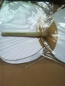Image 1 - Personalizado De Papel Chique Paddle Fãs Mão com Armação De Bambu e Favorece Presentes da Festa de Casamento Handle Pá do Ventilador de Papel Fã Espanhol