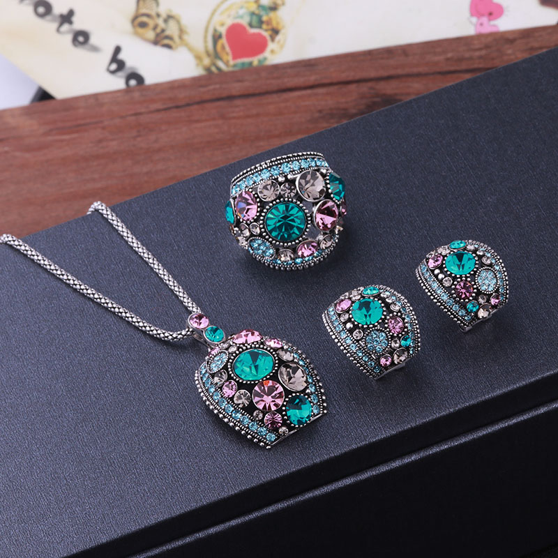 Feelgood Silver Color Vintage Jewellery Set White And Black Crystal Jewelry Sets With Necklace Stud Earrings Ring For Women Gift 9
