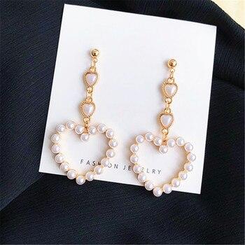 Pendientes a la moda de corazón para mujer, pendientes largos populares de corazón con perlas, joyería para banquete, accesorios de borla, pendientes para mujer