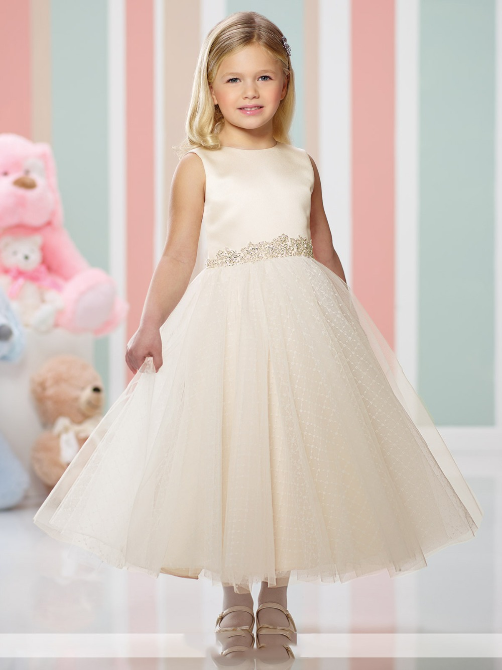 Lovely Champagne O-Neck Sleeveless Ball Gown   Flower     Girl     Dresses   Cheap Tea-Length Communion   Dresses   Vestidos de comunion 2019