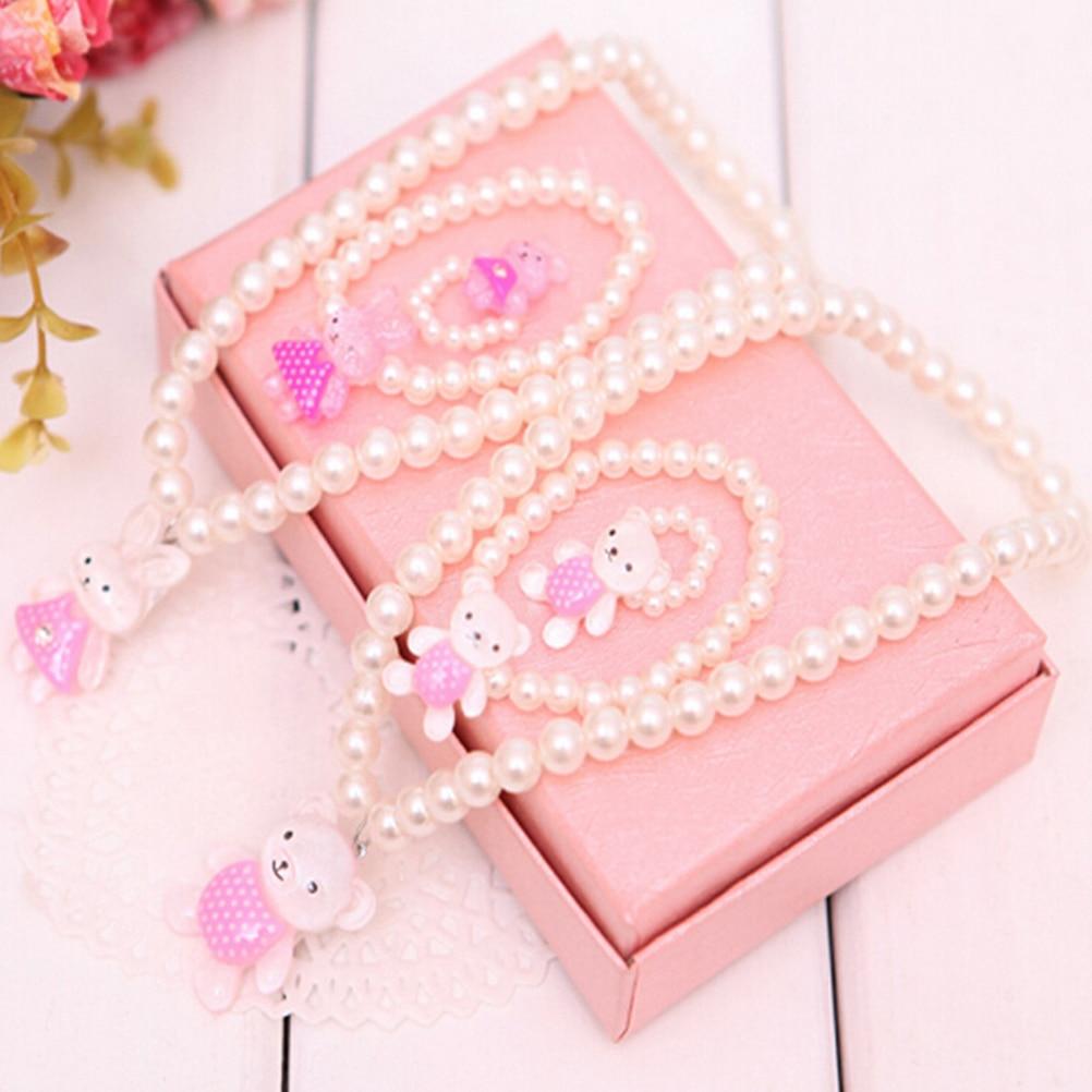 3 Stücke Halsketten + Armbänder + Ringe Mädchen Mode Schmuck Sets Simulierte Perle Wulst Bär/kaninchen Nette Anhänger Zubehör Geschenke Exquisite Handwerkskunst;