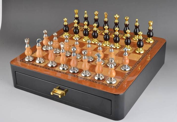 Exquisite Chess Set High Quality Furniture Decoration With Unfoldable Chess Board Funny Game Sports Entertainment