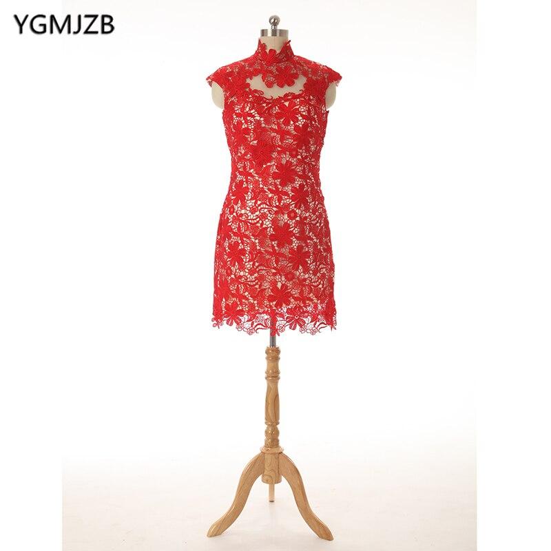 Élégant 2018 rouge dentelle mère de la mariée robes gaine dos ouvert genou longueur marié formel grande taille mère robes pour mariage