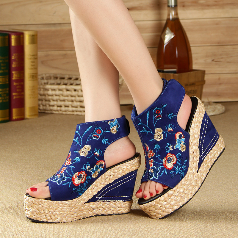ФОТО 2016 Summer new folk style embroidery women sandals thick crust  high-heeled Fish mouth  wedges platfrom girl summer shoes