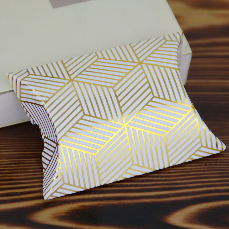 10pcs Gold/Silver Bronzing Pattern Pillow Box Mini Candy Box Wedding Dragee Pillow Box Packaging For Guest Event & Party