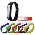 Conexão Bluetooth Relógio De Pulso Inteligente Rastreador De Fitness Esportes Pulseira Pulseira para IOS Azul Vermelho Amarelo Faixas de parceiro de Saúde