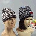 Осенью И Зимой На Открытом Воздухе вязаная шапка согреться Баотоу крышка лыжи шляпа Шапочки случайный колпачок для Skullies мужчина/женщины