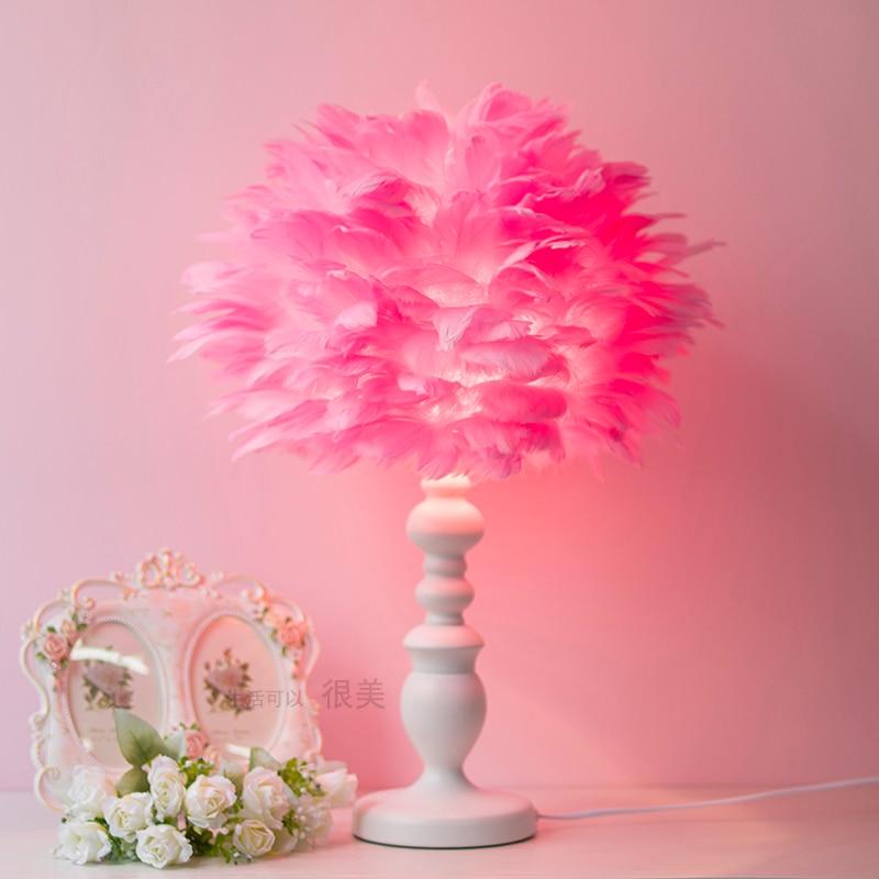 Moderne rose blanc plumes lampe de table chambre chevet hôtel boutique maison lampes de table mode créative lampe de table ZA82110
