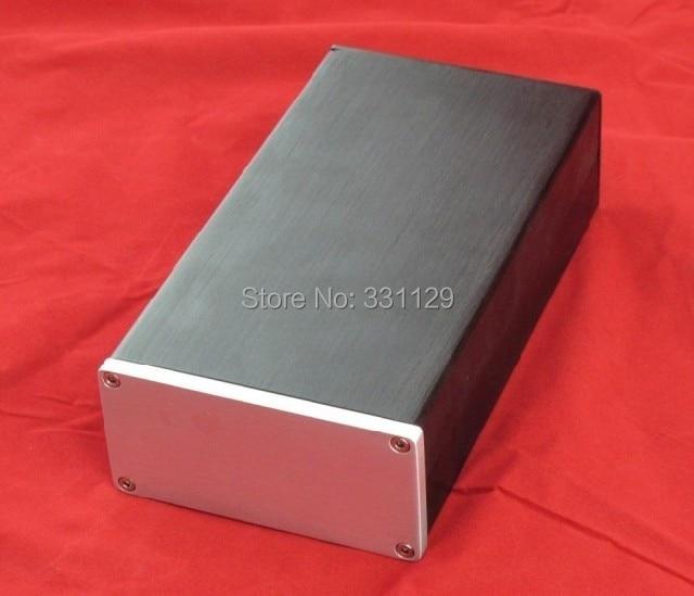 El chasis de audio y aluminio Breeze 1005 (ancho 100 alto 50 largo 180) puede usarse como un pequeño amplificador o caja de alimentación