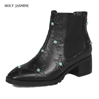2017 New Winter Women Shoes Genuine Leather Woman Ankle Boots Brogue Shoes Slip On Ladies Rivets