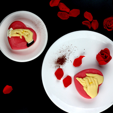 Love Heart Silicone Mousse Cake Mold Hand in Hand Design Ice Cream Chocolate Gelato Dessert Tools Valentine Propose Gift Mould цена 2017