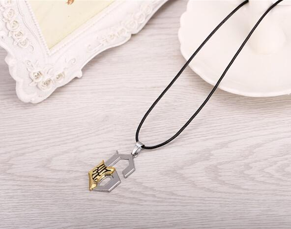 Hot Anime BLEACH Series Alloy Silver Necklace Grimmjow Jeagerjaques Anime Jewelry Shape Figure 6 Pendant accept Dropshipping