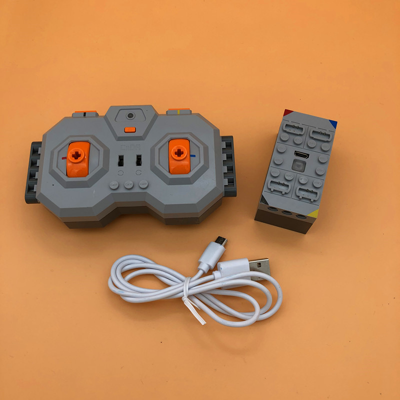 NEW Function Technic 4 Channel 2.4G Professional Within Lithium Battery Remote Control RC USB Charge 8878 Building Blocks Toys