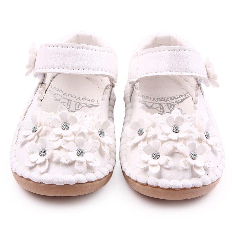 cb66f91c8a512 Haute Qualité Main Exquis Bébé Fille Chaussures Belle 6 Fleurs Bébé Fille  Princesse En Cuir Chaussures Pour Tout petits Enfants 1 3 Ans dans Premiers  ...