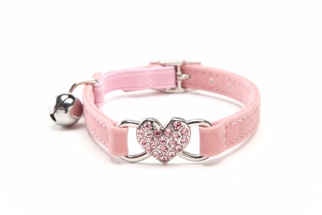 Bling Heart Rhinestone Pet Accessories Cute Cat Collars Retractable     Bling Heart Rhinestone Pet Accessories Cute Cat Collars Retractable Light  Dog Charms Collar Leather with Bell