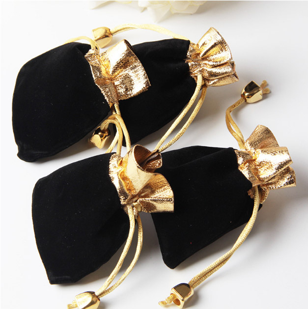 Black Velvet Bag Gold Mouth 7x9cm 9x12cm 12x16cm Pack Of 50 Makeup Jewelry Drawstring Packaging Pouch