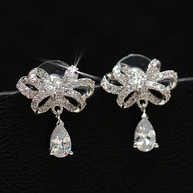 Jemmin 恋人のギフト古典的な水滴結婚式のスタッドのイヤリングロマンチックな婚約 925 スターリングシルバージュエリー