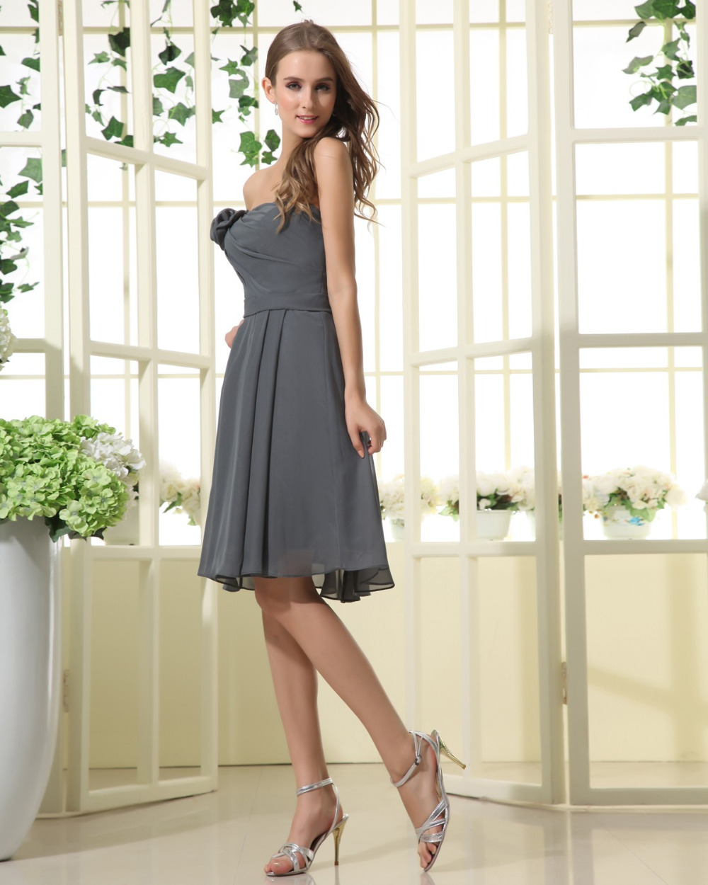 Romantic grey silver bridesmaids dresses short chiffon empire romantic grey silver bridesmaids dresses short chiffon empire waist knee length wedding party gowns 2014 vestido para madrinha in bridesmaid dresses from ombrellifo Gallery
