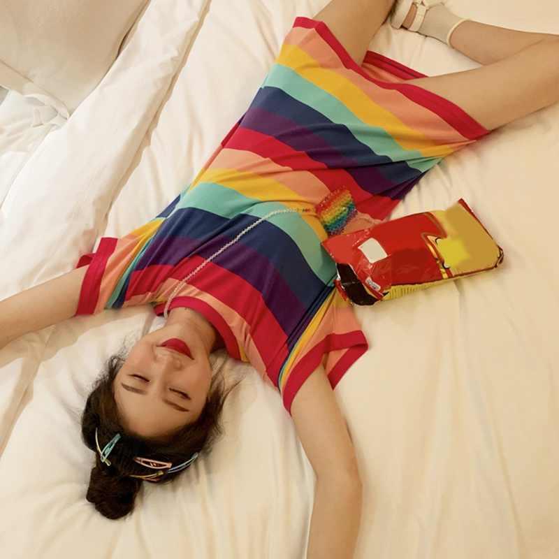 女性のファッション夏カジュアル Tシャツ半袖 O ネック虹ストライプルーズ女性 Tシャツ