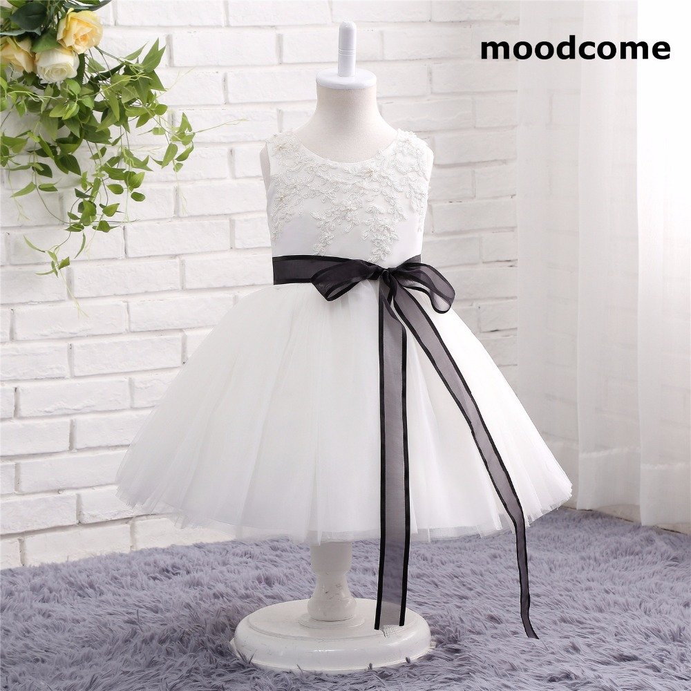 2018 New Cheap Flower Girl Dresses Tea Length Tulle Bow Sashes Scoop