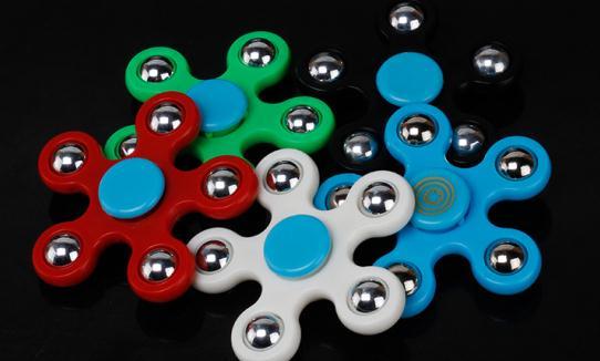 210 Teile/los Dhl Fünfzackigen Stern Spinner Spielzeug Kinder Kreisel Hand Spinner Fokus Finger Spinner Für Angst Zu