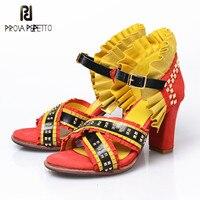 Prova Perfetto 2018 лето осень женские плиссированные кожаные сандалии на высоком каблуке сексуальные металлические заклепки крест накрест сандал
