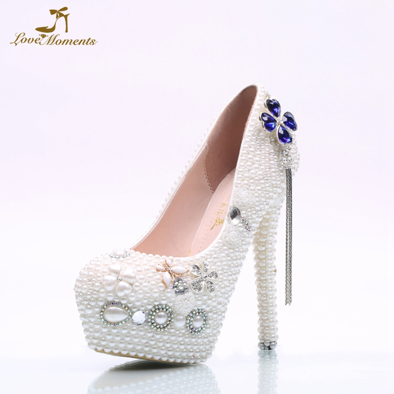 2018 White Pearl Wedding Dress Shoes Blue Crystal Clover Style Peadant Mother of the Bride Shoes Simple Design Bridesmaid Shoes