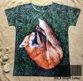 Pista do Navio + Retro Vintage T-shirt Top Tee Elegante Amarelo Pele De Raposa Dormindo na Grama Verde Tranquila 0446