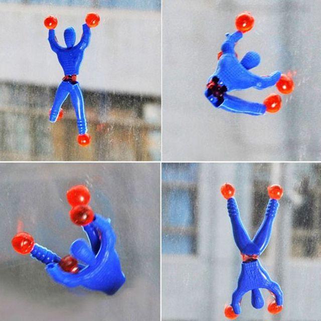 Brinquedo da novidade UM Homem Pegajoso Spiderman Parede de Escalada Parede de Escalada Superman Homem Brinquedos Rastejando Na Parede Pode Rolar Para Baixo