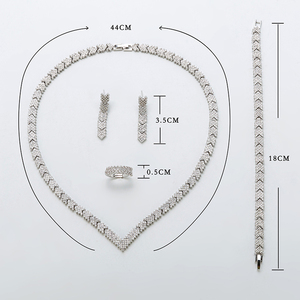 Image 4 - Hadiyana 2018 Fashion Aaa Zirkoon Set Shiny Pijl Sieraden Ketting Oorbellen Armband Ring Sets Bruid Engagement Wedding TZ8123