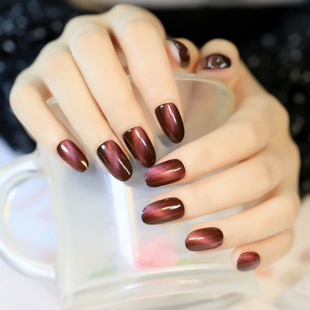 Sexy Red Wine Cat Eyas Design Fake Nails Round Top Nail Art Tips