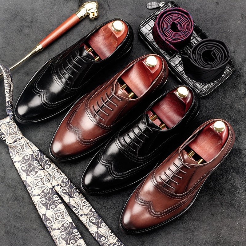 luxury round toe breathable man formal dress shoes genuine leather derby carved oxfords famous men s bridal wedding flats gd78 New Vintage Man Wedding Carved Brogue Shoes Genuine Leather Formal Dress Oxfords Round Toe British Bridal Men's Footwear GD29