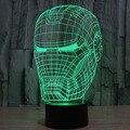 La novedad 3D Decoración Bulbificación Night Light Iron Man Máscara Modelo de Juguete Gadget LLEVÓ la Iluminación del Hogar Lámpara de Mesa de Luz de Noche para Niños Del Regalo Del Bebé