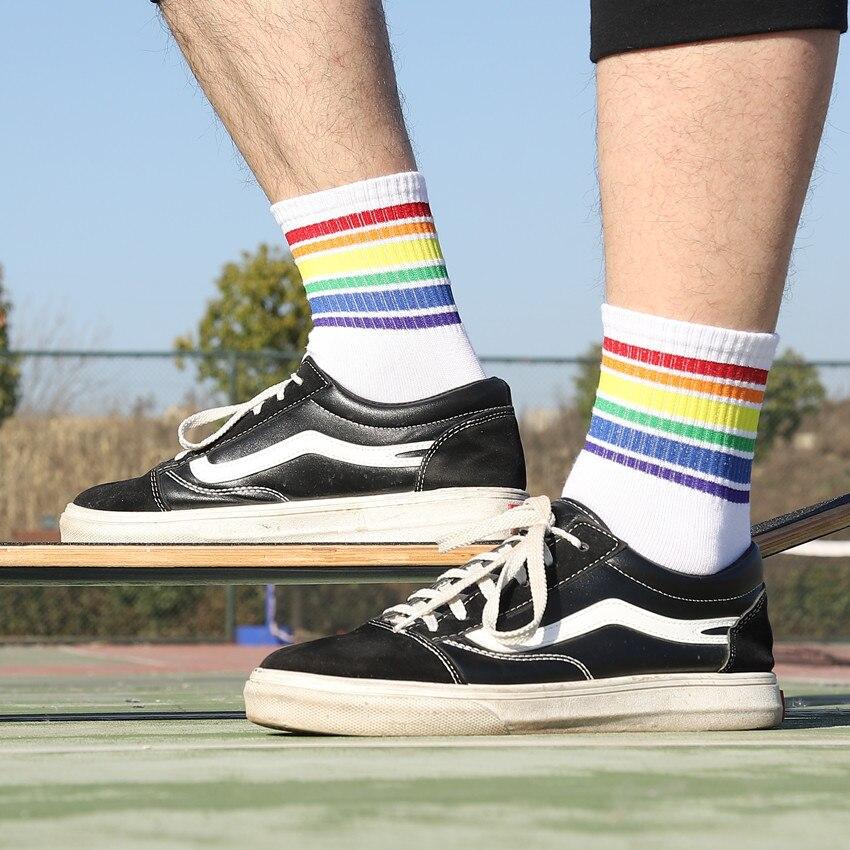 2pairs / Lot Unisex Socks Cotton Rainbow Striped Men Socks Fashion Casual Hipster hosiery Breathable sweat-absorbing White black