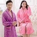 2017 Roupão De Banho Para Os Amantes Casais Nightwear Roupões de Flanela Camisola Das Mulheres do Sexo Feminino Sólida Engrossar Quente Pijamas de Inverno Queda