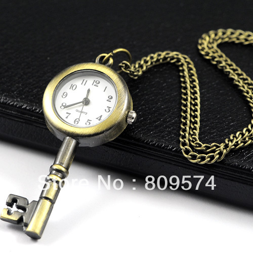 Wholesale Buyer Price Good Quality Fashion Retro Bronze Classical Vintage Key Pocket Watch Necklace With Chain Hour