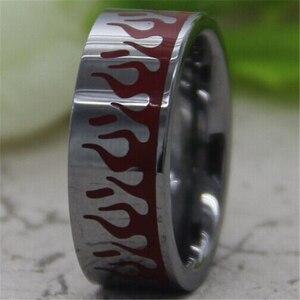 Image 2 - Darmowa wysyłka Hot sprzedaż 8 MM Comfort Fit rzeźbione płomienie z czerwony żywica projekt srebrny rury moda męska wolfram obrączka