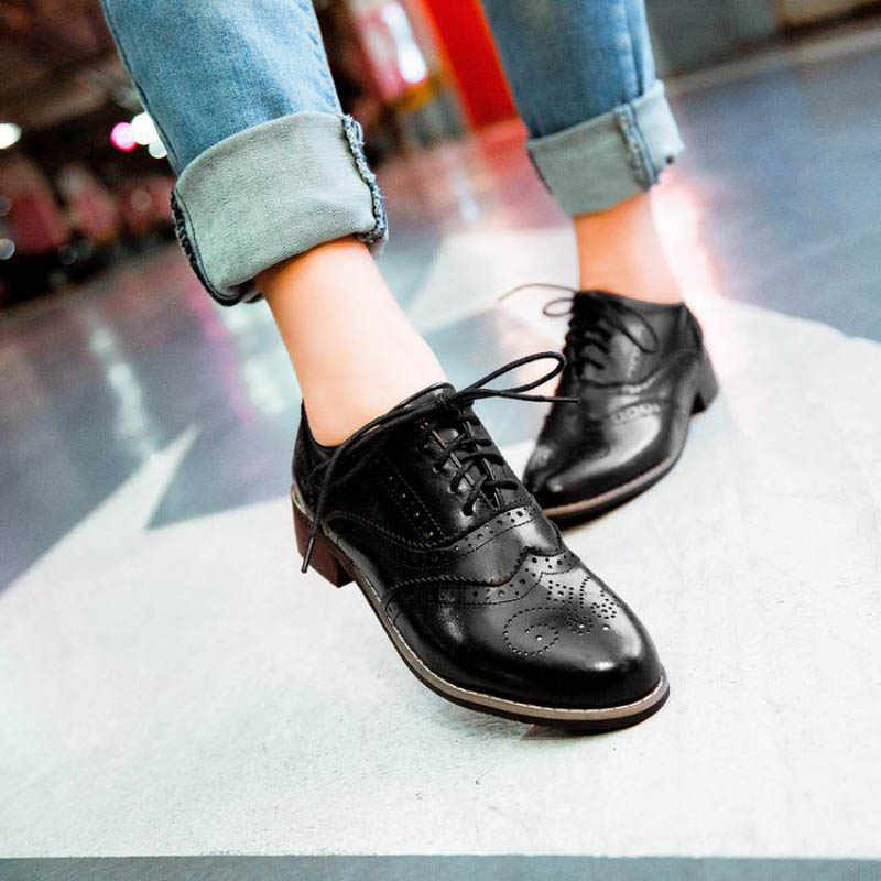 b2abeb7939 ... New 2018 Vintage Carved Women Brogue Oxfords Fashion Round Toe Lace Up  Oxford Shoes For Women ...