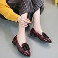 Zapatos de las mujeres 2017 del bowknot tacón Cuadrado Zapatos de Diseñador Mujer Marca arco de cuero zapatos Zapatos de moda de San Valentín