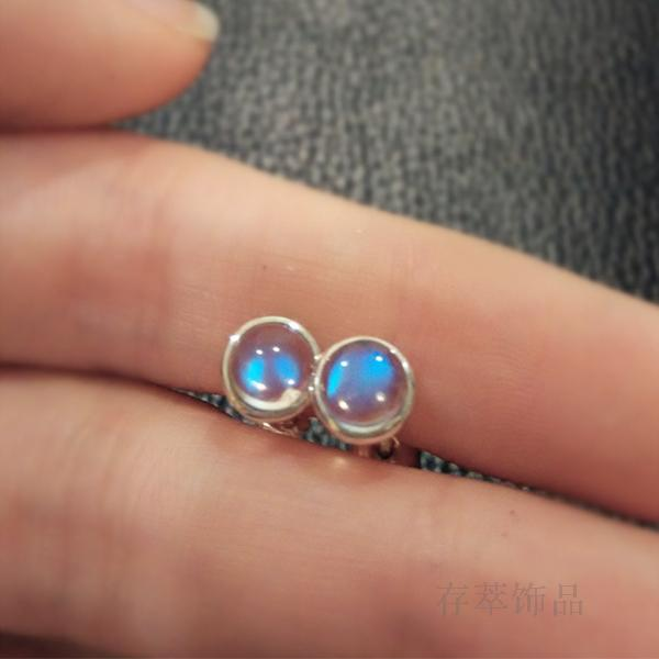 цена S925 Sterling Silver Hand inlaid natural gourmet Moonstone Earrings light blue all-match simple fresh and sweet