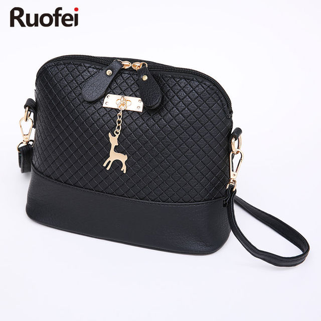 6fc55da9d2e8e HOT SALE! charm women Messenger Bags Fashion Mini Bag With Deer Toy Shell  Shape Bag Women Shoulder Bags