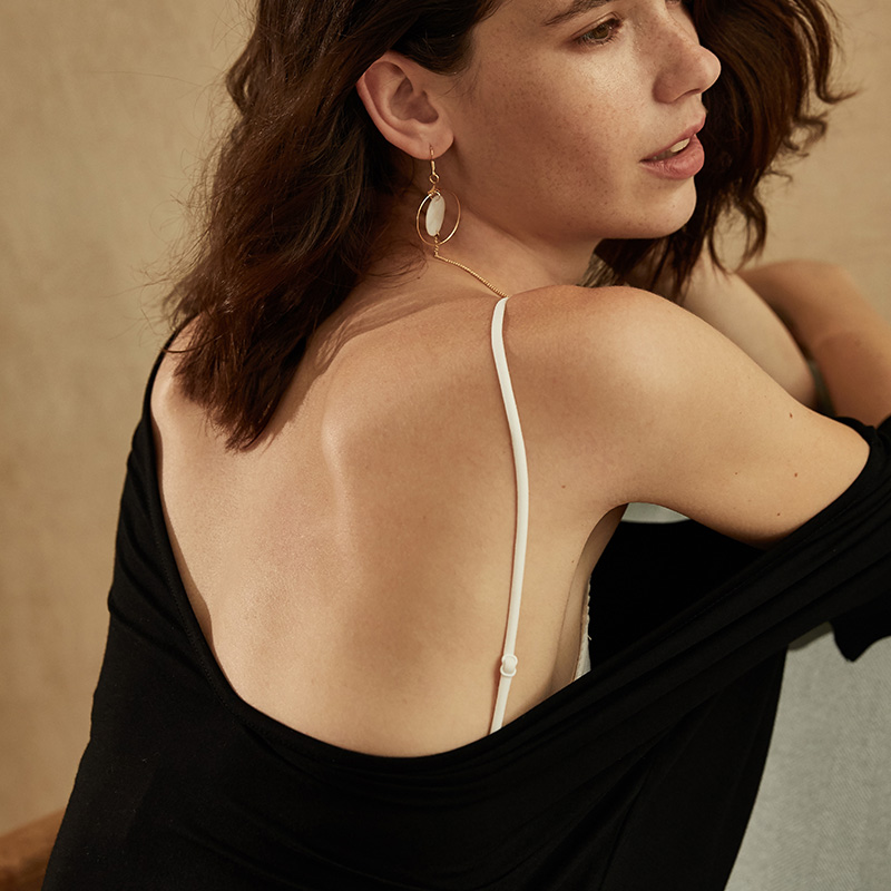 Kostenloser versand feine Stil dünne BH dreieckige Frau Weiche Nahtlose Backless Schöne zurück brallette lagering sexy